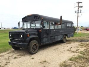 1986 Bus Stripped with Stove and Bunks