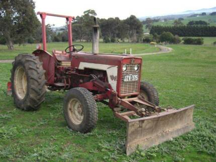 INTERNATIONAL 434 DIESEL TRACTOR WITH GRADER & BULLDOZER BLADE Drouin East Baw Baw Area Preview