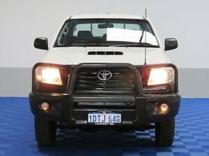 2011 Toyota Hilux KUN26R MY12 Workmate (4x4) White 5 Speed Manual Dual Cab Pick-up East Rockingham Rockingham Area Preview