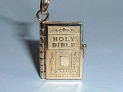 14K YELLOW GOLD RELIGIOUS BIBLE BOOK CHARM PENDANT opens up
