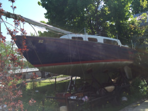 26 foot Grampian Sailboat with 15 horse Honda and tandem trailer