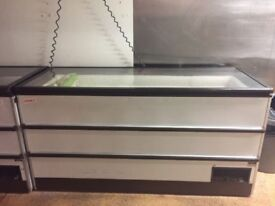 Commercial chest freezer