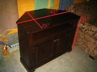 """TV stand from real wood, As New - 41""""x25""""x31"""", comes from Non-Sm"""