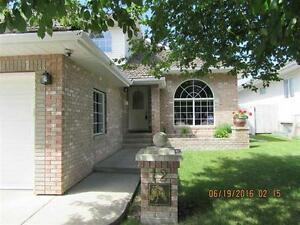 Triple Garage, Terrific Family Home!