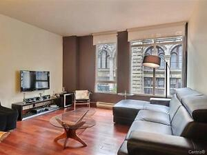OLD-vieux Montreal, nice bright 1 bed,high ceiling, PARKING+175!