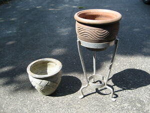 Clay Flower Pots & Stand