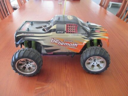 RC NItro Gas Monster Truck Off Road