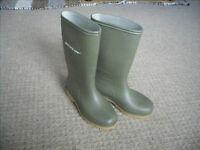 Dunlop Wellies - Size UK13/Euro 32