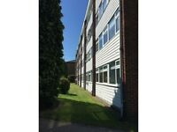 2 bedroom flat in Grove Hill, Woodford and South Woodford, South Woodford, E18
