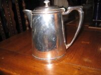 MAPPIN AND WEBB SILVER PLATED COFFEE/TEA POT