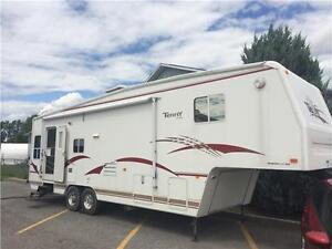 2001 Fleetwood RV - Great condition!