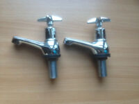 A pair sink or basin Tap (good condition) £10 ovno