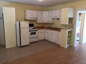 Annapolis Royal - 1 bedroom with den - avail June 1st