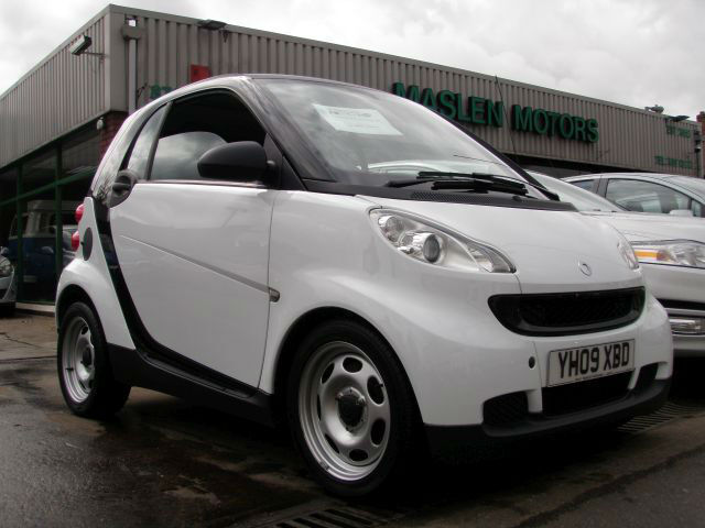 2009 smart fortwo 1 0 71bhp pure low mileage 22 000 2 private owners in leyton london. Black Bedroom Furniture Sets. Home Design Ideas