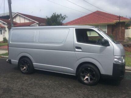 2012 Toyota Hiace Silver Automatic Van