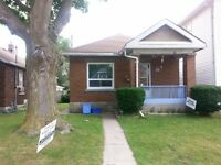 NEW PRICE!! GREAT BUNGALOW LOCATED CENTRALLY OFF HAMILTON ROAD