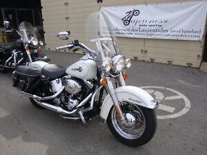 2004 Harley Softail Héritage Classic blanc FLSTC