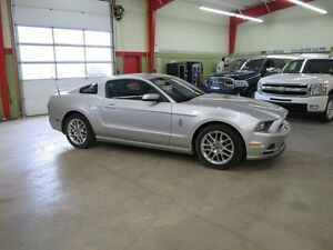 2014 Ford Mustang V6 Premium Manual Fall Special Must Go
