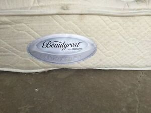 Used King size Simmons Choice Plush mattress and box for sale