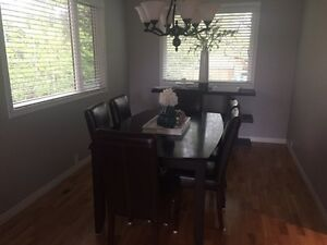 Kitchen/Dining Room Table, 6 Leather Chairs