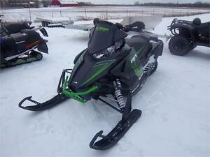 17 ARCTIC CAT EL TIGRE 8000 137 DEMO SLED!!