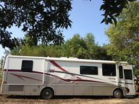 Low Mileage 36 ft Winnebago/Freightliner Chassis