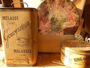 antique boite de metal plublicitaire