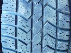 4 pneus d'hiver 235/70/16 Arctic Claw Winter XSI