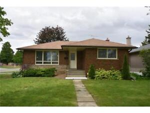 Outstanding Fairview Brick Bungalow in Brantford for Rent!