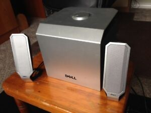 DELL BOOM BOX AND SPEAKERS