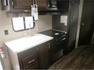2017 FOREST RIVER GREY WOLF LIMITED 23DBH! BUNKS, SLIDE! $23995! London Ontario image 7