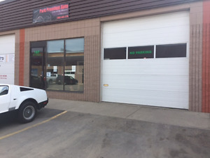 SUB LEASE COMMERCIAL BAY AND 2 OFFICES (august 1st)