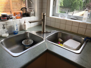 Kitchen sink & faucet for sale