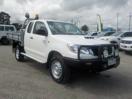2013 Toyota Hilux White Manual Cab Chassis