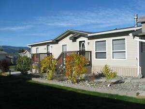 Cute, Cozy & Immaculate 2Bd+Den Double Wide