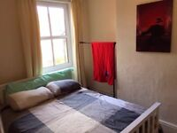 Room to rent in superb house near Rolls-Royce/Pride Park