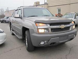 2002 Chevrolet Avalanche V8 5.3L 4WD Crew Cab Leather Very CLEAN