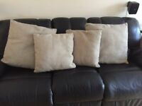 Set of 4 matching cushions - NEW