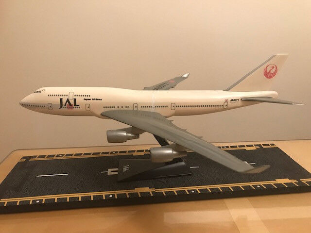 Japan Airlines B747-400 Aircraft Model