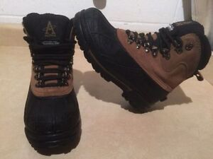 Men's Altra Winter Boots Size 7