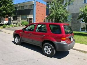 2005 FORD ESCAPE- automatic- 147 000km- 4CYLINDRES-   2500$
