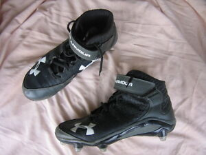 Under Armour Football cleats- Mens size 10, like new.