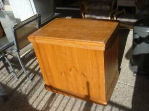 Timber storage chest Parrearra Maroochydore Area Preview