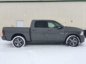2010 Ram 1500 Sport 4x4 ~ 5.7L Hemi ~ Dual Exhaust ~ $99 B/W Yellowknife Northwest Territories image 4