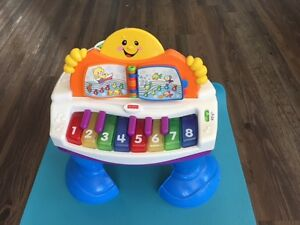Fisher Price Laugh and Learn Interactive Grand Piano