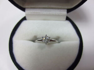 0.30ct diamond solitaire ring 14K (BRAND NEW)