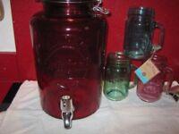 KILNER 5LTR RED GLASS DISPENSER & 3 GLASS MUGS