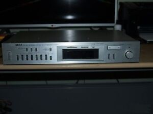 Vintage Akai AM/FM Stereo Digital Synthesizer Tuner Model AT-VO4