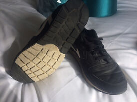 Mens Black NIKE trainers size 10
