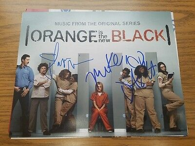 Taryn Manning   Dascha Polanco Autographed 8X10 Photo  Orange Is The New Black